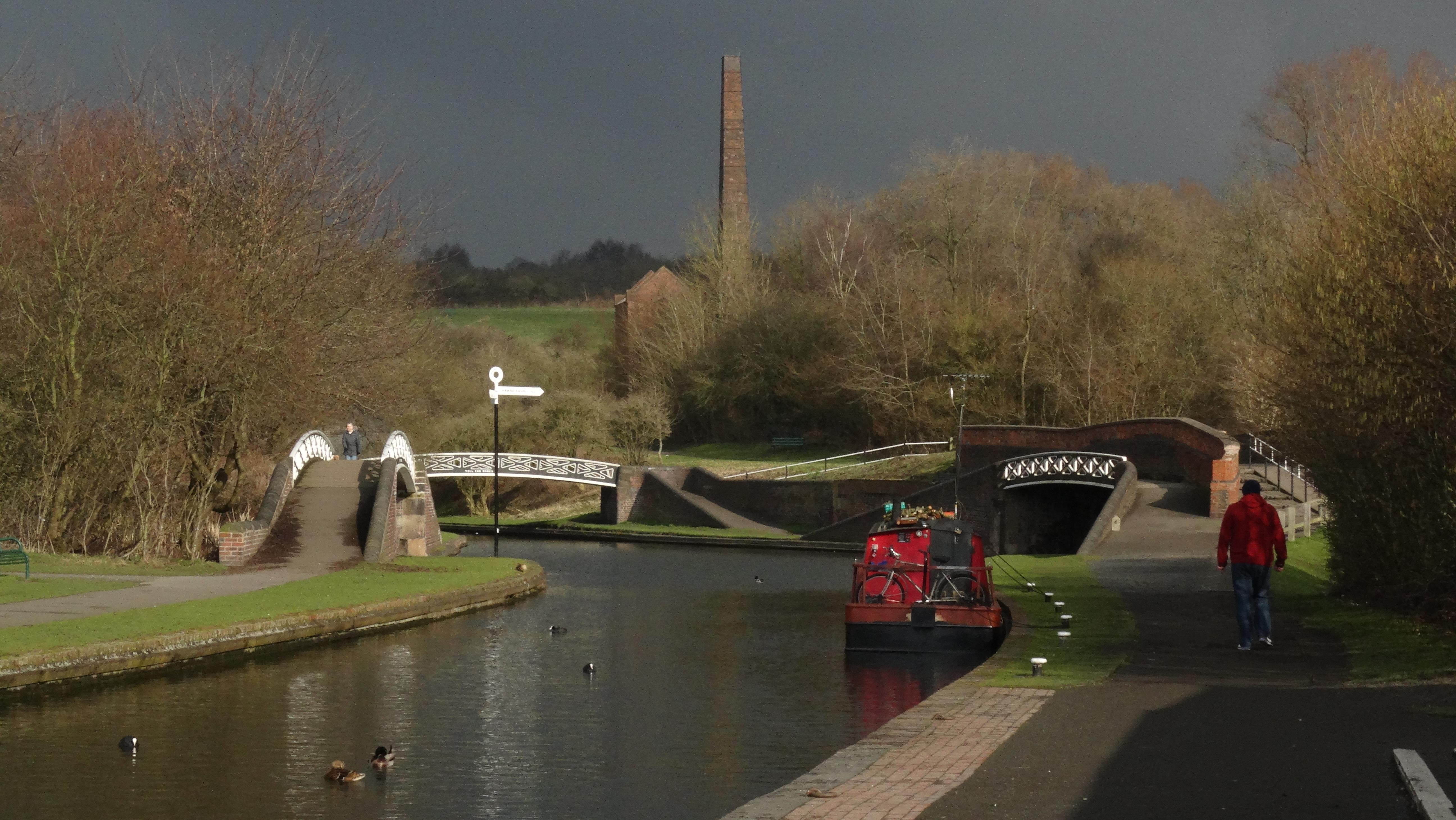 17-059-100217-junction-of-dudley-no2-canal-oldbury-no2-canal-at-windmill-end