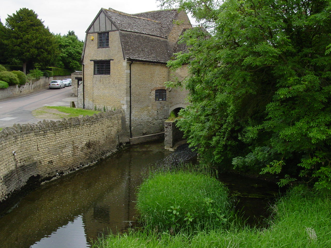Duddington Mill on the River Welland (as seen on a visit in 2005).